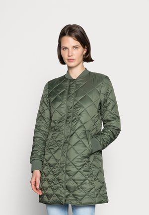 COAT QUILTED THERMORE PADDING REGULAR FIT WELT POCKETS - Abrigo corto - fresh moss