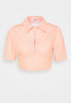SEERSUCKER CROP TOP WITH COLLAR AND SLEEVES - Print T-shirt - peach grid