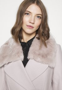 Forever New - JENNA COLLAR COAT - Classic coat - mink - 4