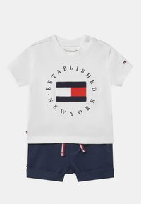 Tommy Hilfiger - BABY ESTABLISHED SET UNISEX - Print T-shirt - white - 0