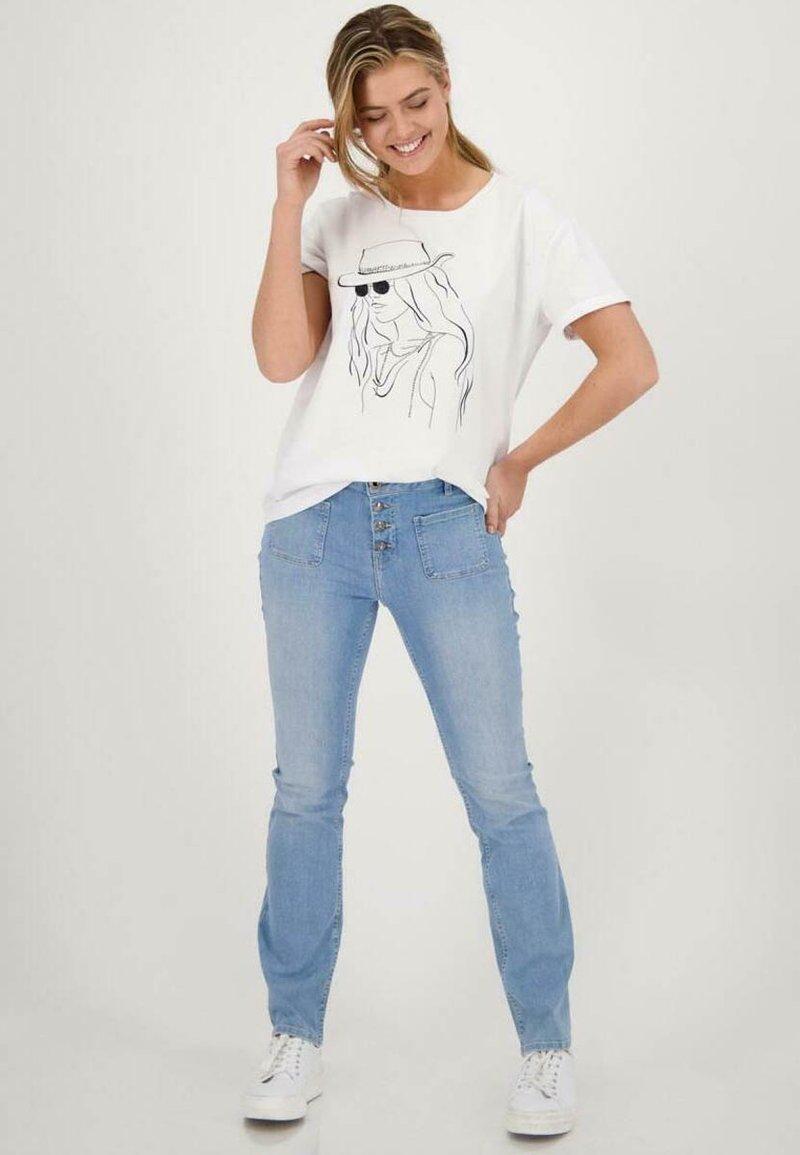Monari - MIT PRINT - Print T-shirt - weiß