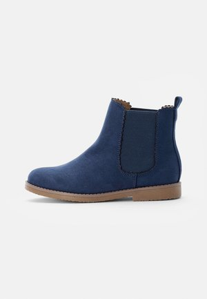 SCALLOP GUSSET BOOT - Botines - vintage navy