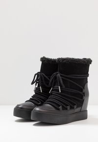 Shoe The Bear - TRISH - Wedge Ankle Boots - black - 4