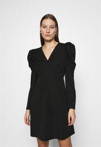 Selected Femme - SLFPRETTY DRESS  - Denní šaty - black - 0