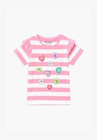Blue Seven - SMALL GIRLS STRIPE HEART - Triko spotiskem - azalee - 0