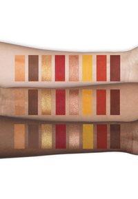 Too Faced - LIGHT MY FIRE EYE SHADOW PALETTE - Eyeshadow palette - - - 3