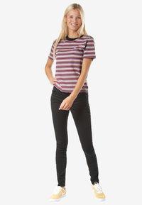 Volcom - HEYWOOD - Print T-shirt - multi-coloured - 1