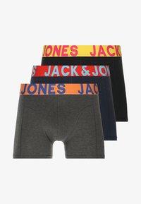 Jack & Jones - JACCRAZY SOLID TRUNKS 3 PACK - Underkläder - black/navy blazer/black - 5