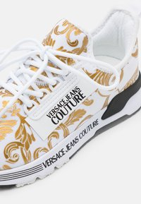 Versace Jeans Couture - Sneakers basse - white/gold - 6