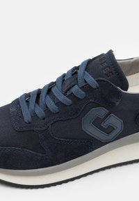 Guess - MADE - Sneakers - navy - 5