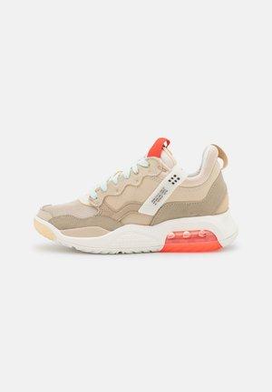 MA2 - Sneakers laag - rattan/chile red/sail/khaki