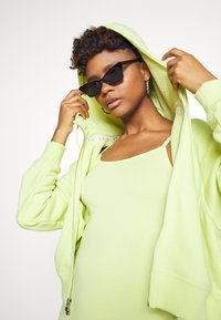 Nike Sportswear - INDIO  - Combinaison - limelight/black - 3