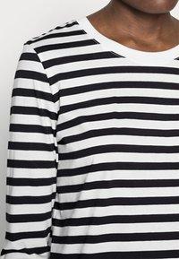 Selected Femme - SLFSTANDARD TEE  - Långärmad tröja - black/bright white - 4