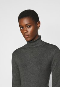 Vero Moda Tall - VMGLORY ROLLNECK - Strickpullover - dark grey - 4