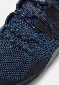 Merrell - TRAIL GLOVE 6 - Zapatillas de trail running - poseidon - 5