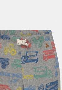 GAP - TODDLER BOY - Shorts - grey - 2