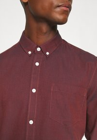 Only & Sons - ONSALVARO OXFORD - Shirt - henna - 5