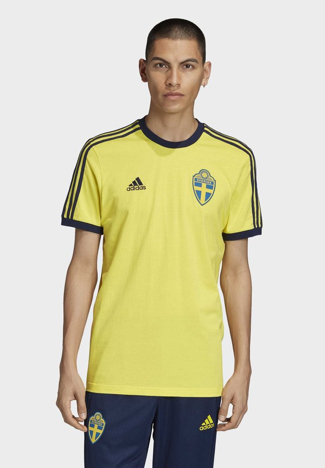 SWEDEN 3-STRIPES T-SHIRT - Print T-shirt - yellow