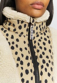 Brunotti - PUA WOMEN - Fleecová bunda - almond - 6