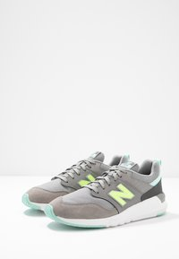 New Balance - 009 - Zapatillas - grey - 4