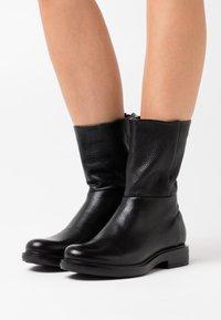 MJUS - Kotníkové boty - nero - 0