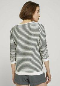 TOM TAILOR DENIM - STRIPED - Sweatshirt - green white structured stripe - 2
