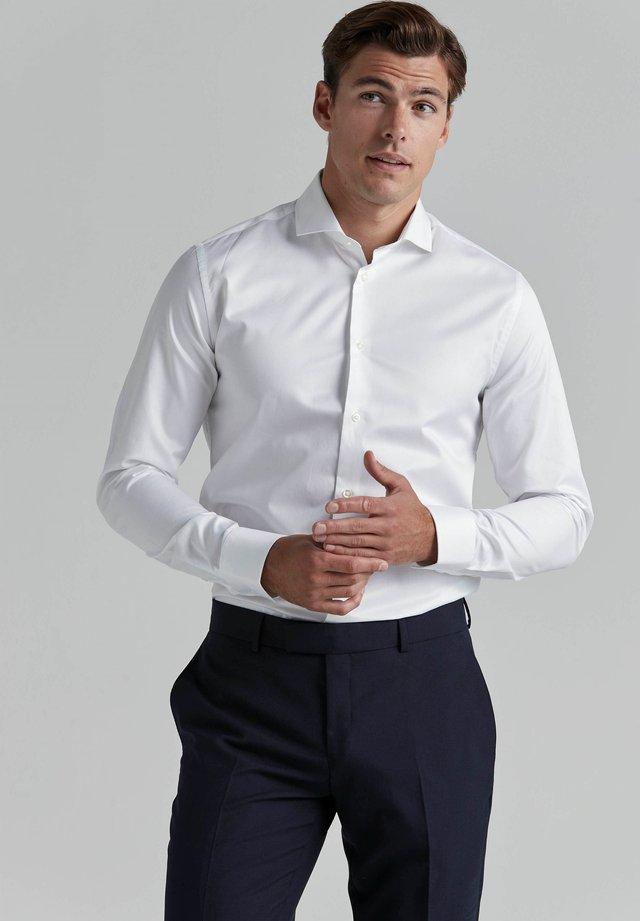 JACOB  - Business skjorter - white