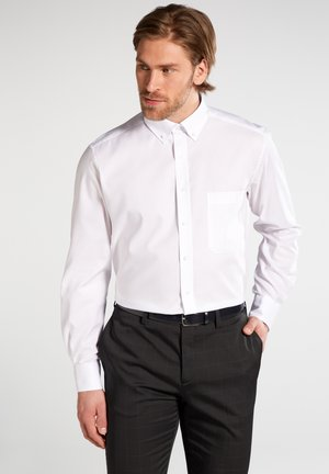 COMFORT FIT - Shirt - weiß
