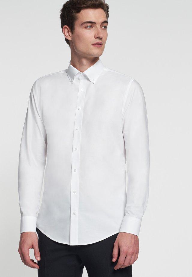 SLIM FIT - Chemise - white