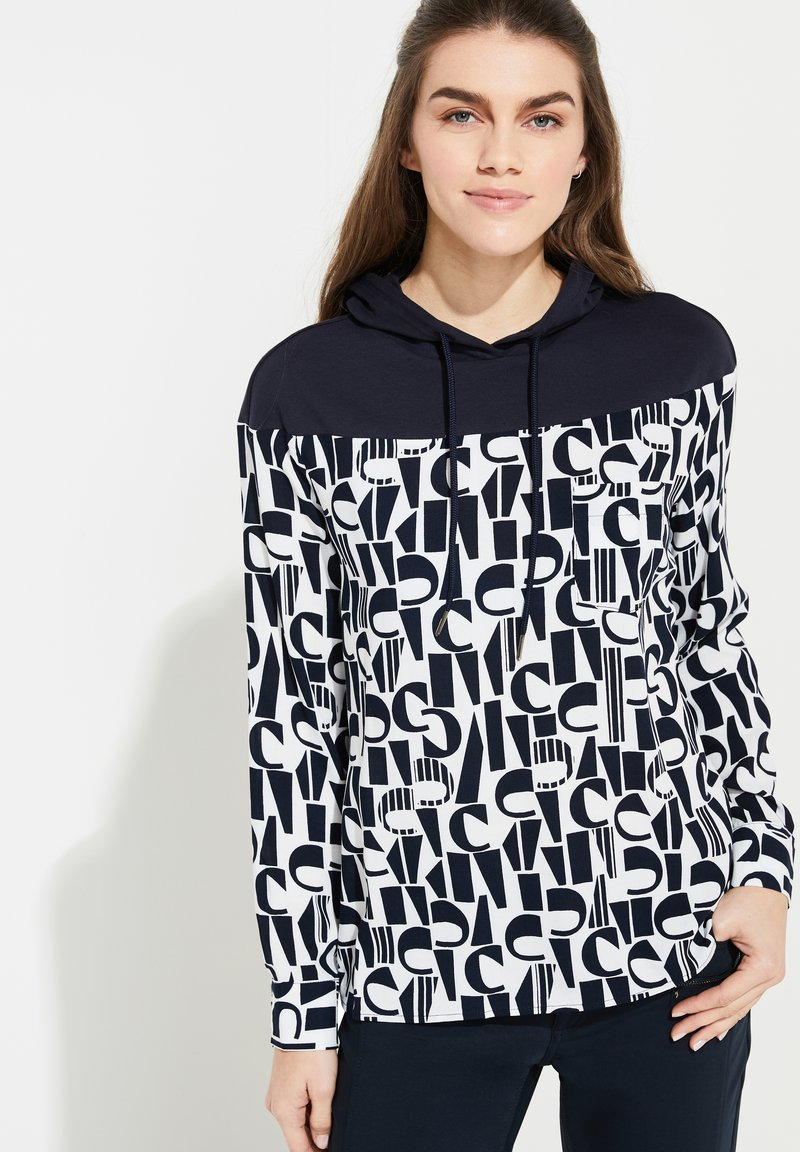 comma casual identity - MIT KAPUZE - Hoodie - ivory letter