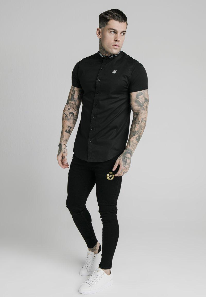 SIKSILK Hemd - black/schwarz 9ukdgo