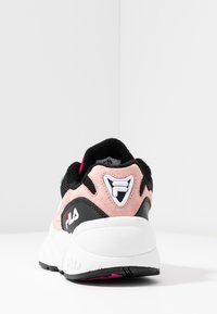 Fila - V94M - Sneaker low - white/black/quartz pink - 5