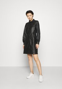 Bruuns Bazaar - PECAN ZADENA DRESS - Košilové šaty - black - 1