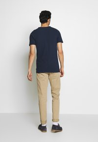 Jack & Jones PREMIUM - JPRBLAHARDY TEE CREW NECK - Basic T-shirt - black iris - 2