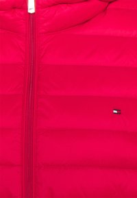 Tommy Hilfiger Curve - Down jacket - primary red - 3