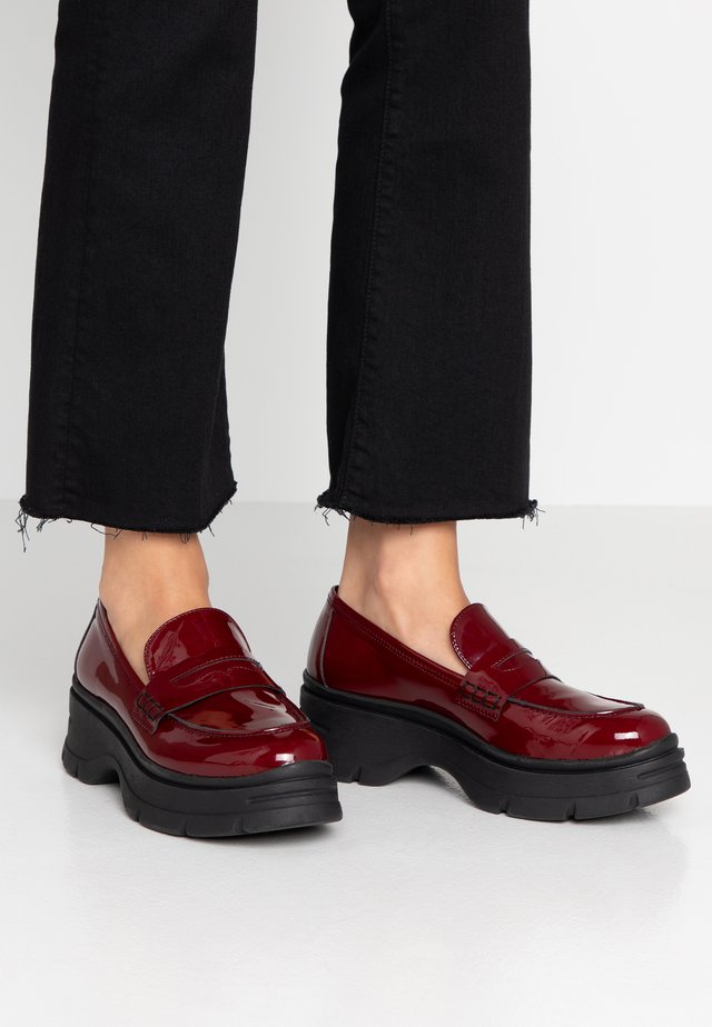 Loafers - margot bordeaux