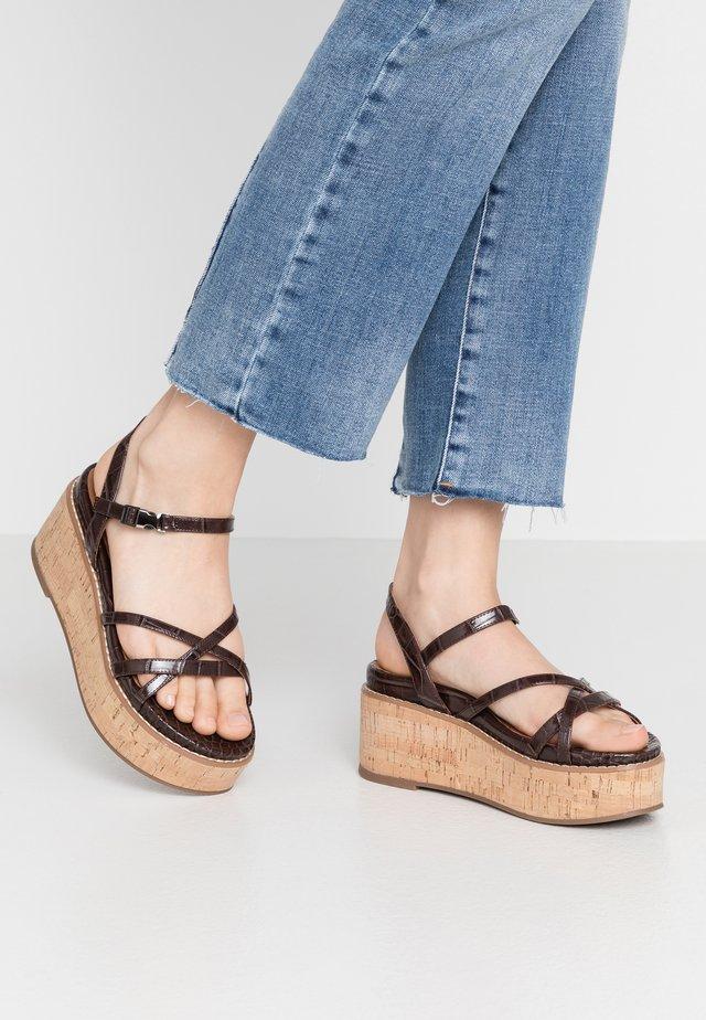 YEOK - Sandały na platformie - moka