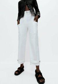 Uterqüe - Trousers - white - 0