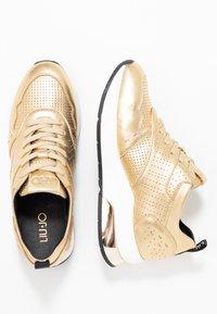 Liu Jo Jeans - KARLIE - Sneakers - metallic light gold - 3
