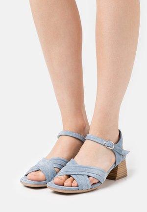 SAND - Sandalen - jeans