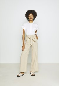GAP - WIDE LEG SOLID - Trousers - wicker - 1