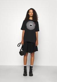 Pinko - ACQUALAGNA - T-shirt imprimé - black - 1