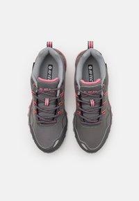 Hi-Tec - STINGER WP WOMENS - Hiking shoes - graffute/chiaccio/pink - 3