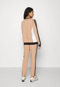 Liu Jo Jeans - PANTALONE FELPA - Spodnie treningowe - praline - 2