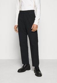 Holzweiler - JENS TROUSER - Trousers - black - 0