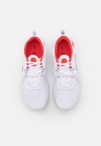 Nike Performance - REACT MILER 2 - Neutrala löparskor - white/black/chile red/platinum tint - 3