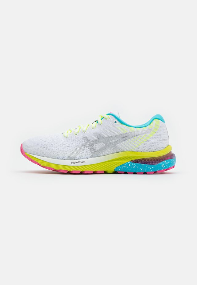 GEL-CUMULUS 22 SUMMER LITE SHOW - Zapatillas de running neutras - white/pure silver