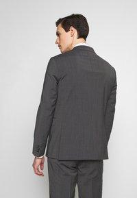 Tommy Hilfiger Tailored - SLIM FIT PEAK LAPEL SUIT - Oblek - grey - 3