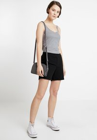 Object - OBJCECILIE  - Shorts - black - 1