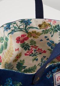 Cath Kidston - REVERSIBLE CROSS BODY - Across body bag - navy - 4